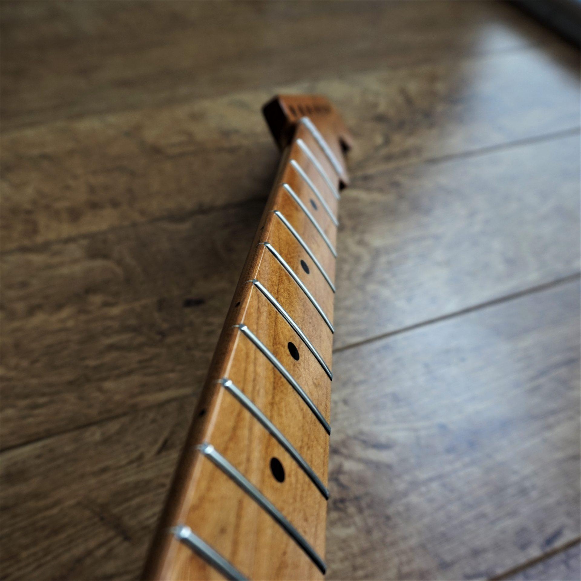 Maple Neck Strat : roasted maple strat stratocaster guitar neck torrefied baked ~ Hamham.info Haus und Dekorationen
