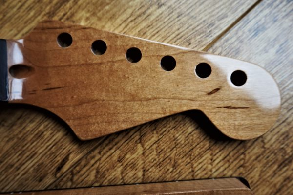 Roasted Maple Strat Neck by Guitar Anatomty